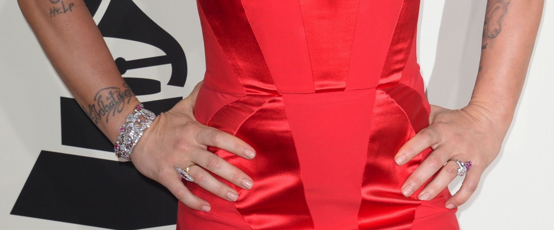 P!NK\'s COVERGIRL Beauty Look at the 2014 GRAMMY Awards - The Staten ...