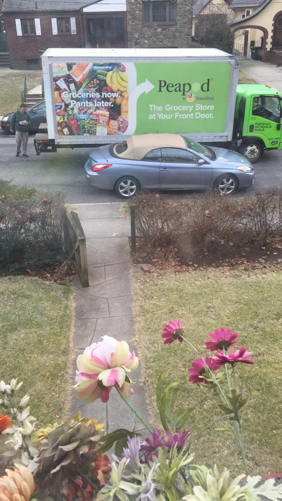 Get your Groceries DELIVERED to your Doorstep with PeaPod Delivers is written in partnership with Peapod.com