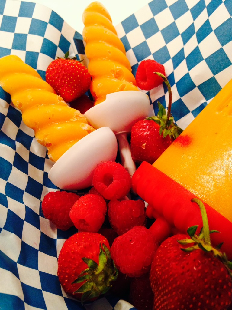 Recipe: 4th of July Champagne Mango Popsicles
