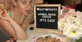 Real Men Can Whip up this Weight Watchers two points Oatmeal Raisin Cookie Recipe