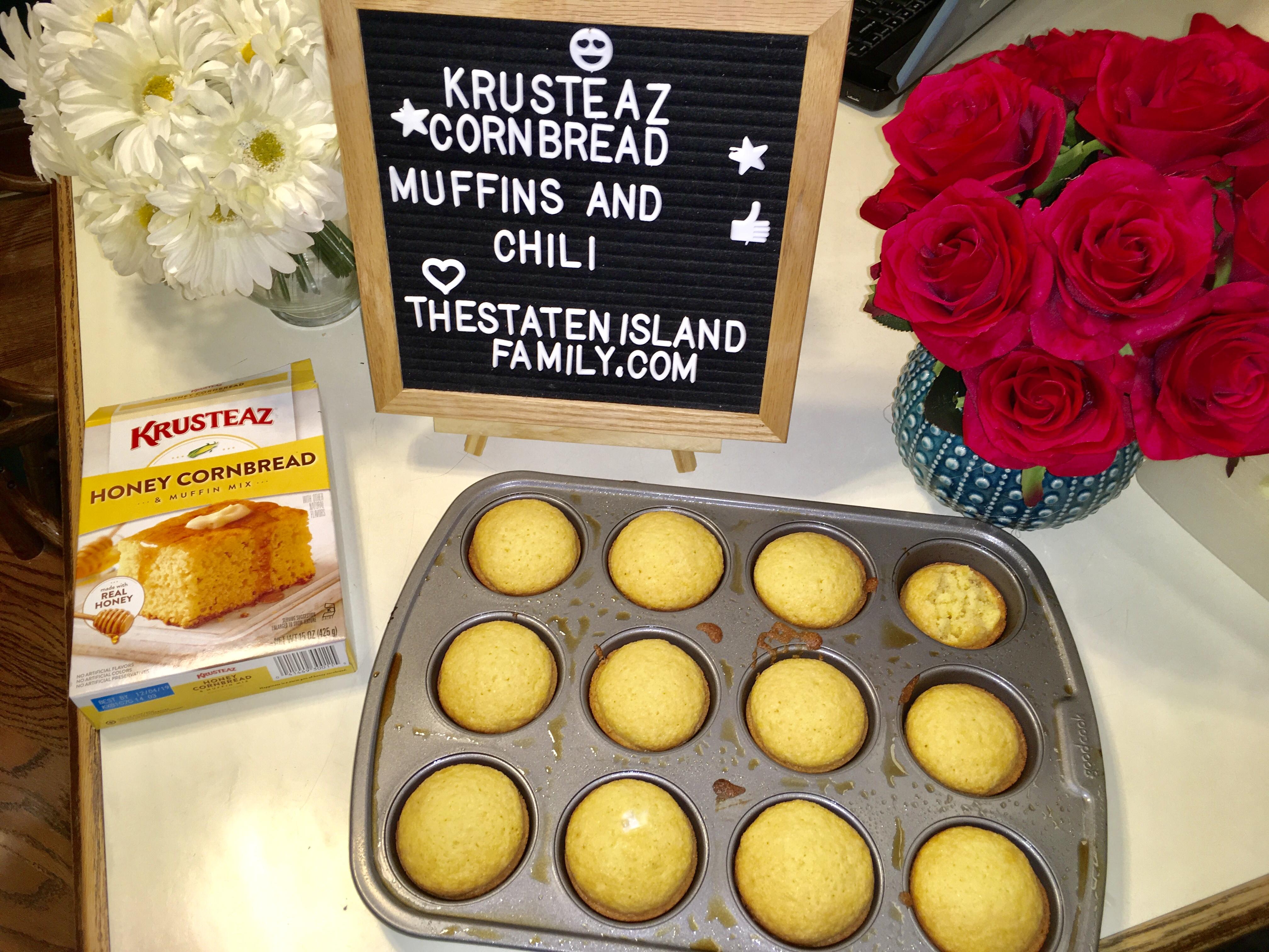 Game Day Vegetarian Chili and Krusteaz Cornbread Muffin Recipe