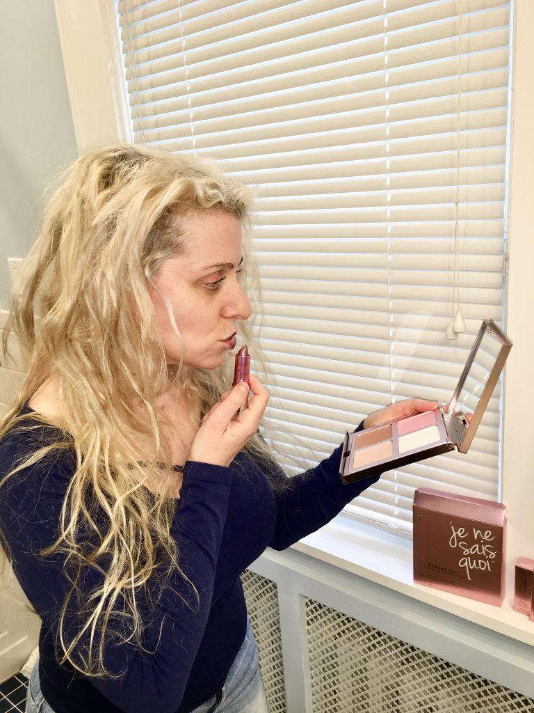 Tips to Kissable Lips